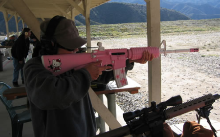A Hello Kitty! Assault Rifle.